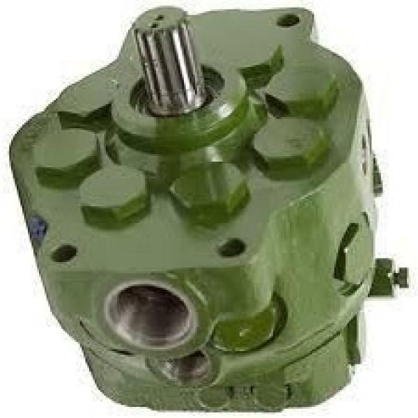 JOhn Deere AT131487 Hydraulic Final Drive Motor #1 image